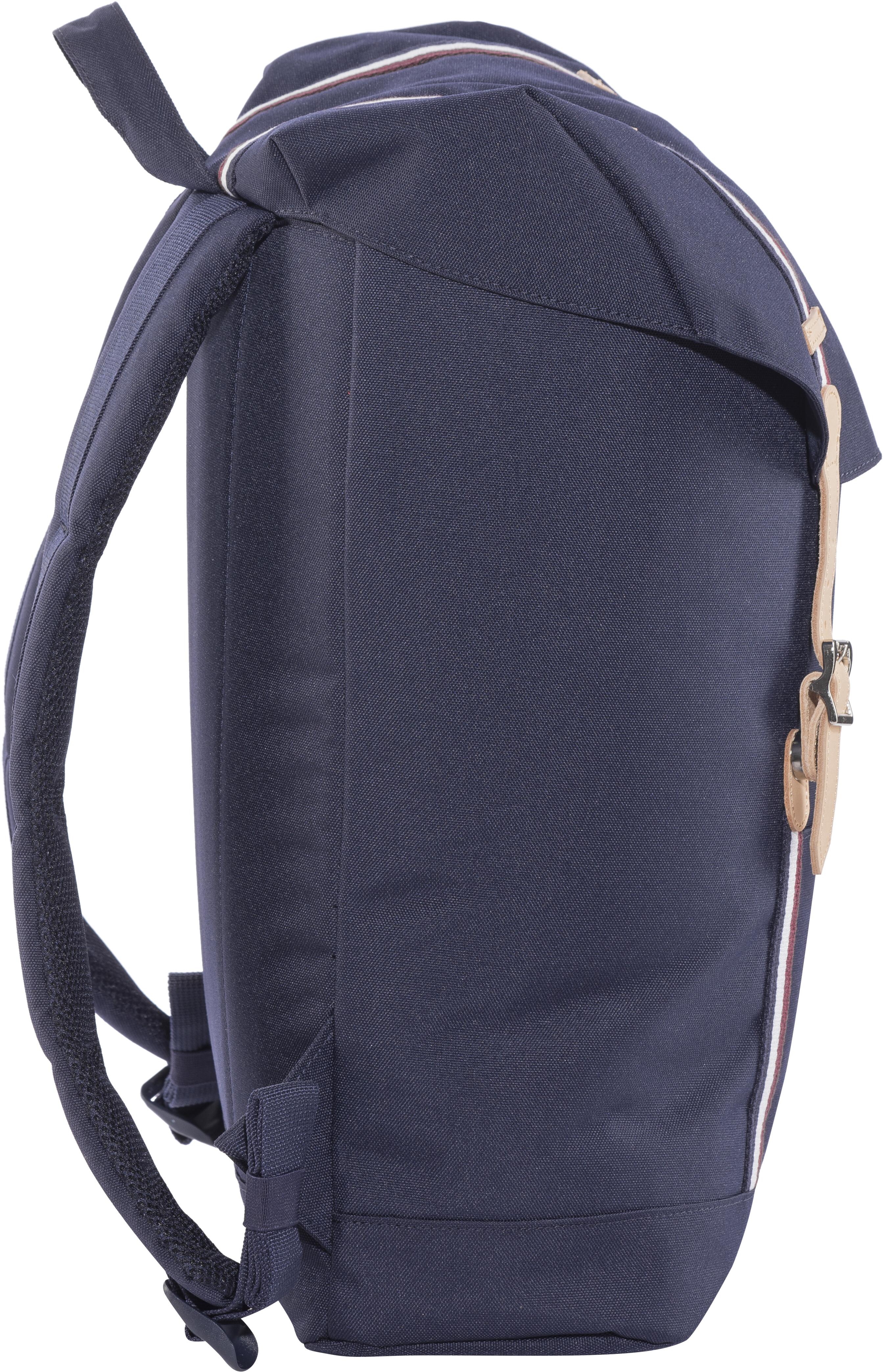 1d20ba463a Herschel Retreat Backpack Peacoat Windsor Wine White